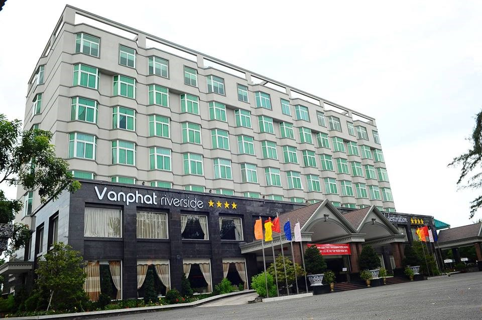 Van Phat Riverside Hotel ***