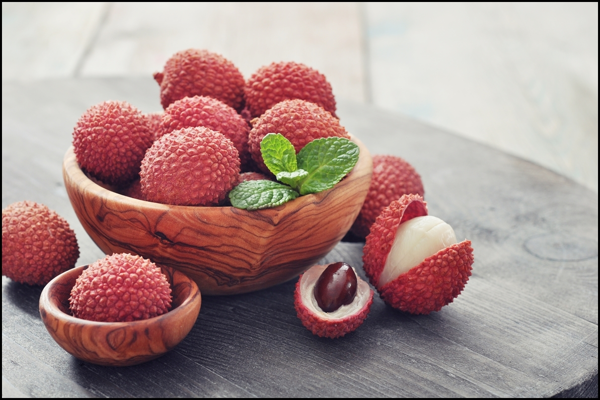 LYCHEE - DELICIOUS FRUIT TO TASTE IN VIETNAM