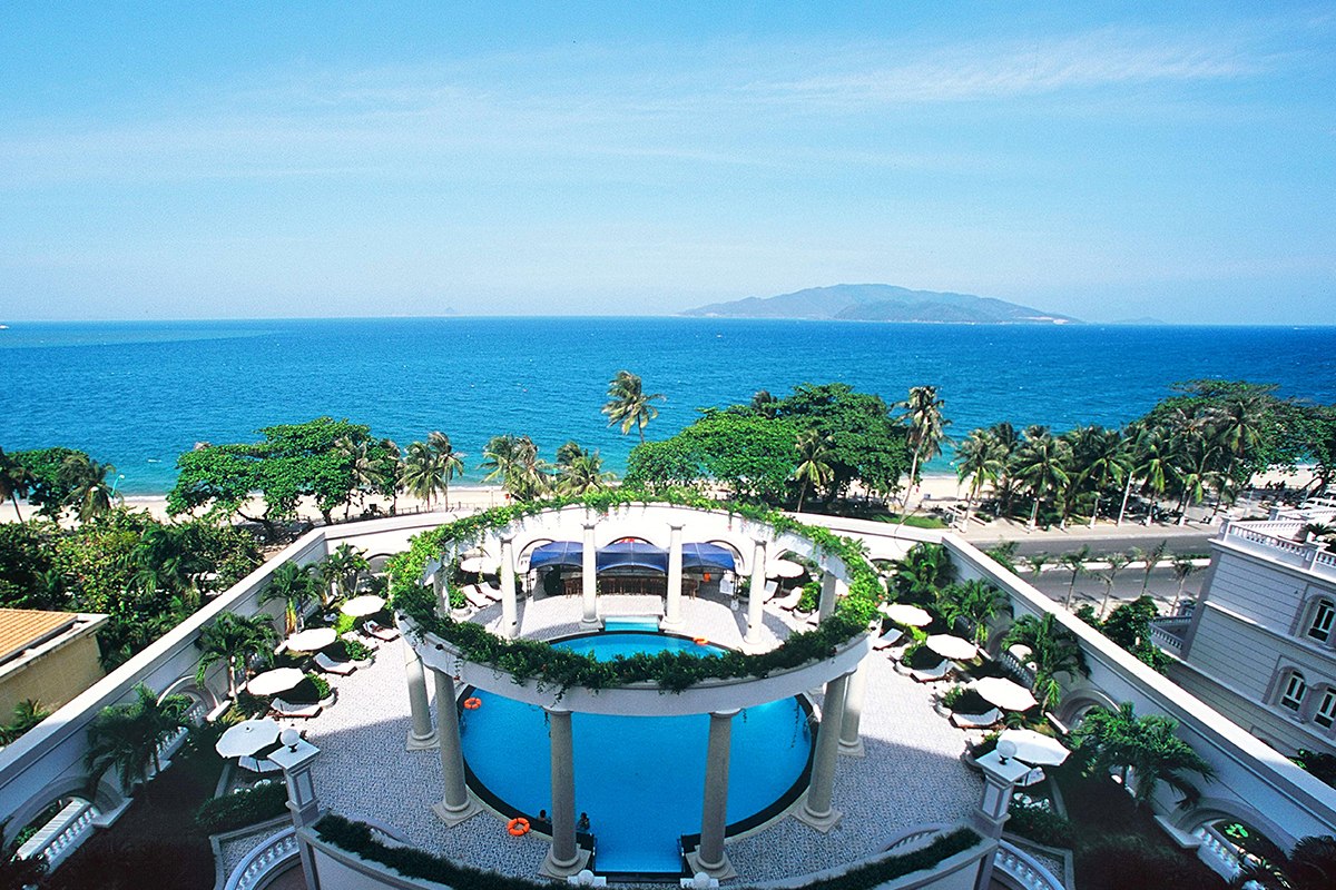 HOT DEAL AT SUNRISE NHA TRANG BEACH HOTEL & SPA